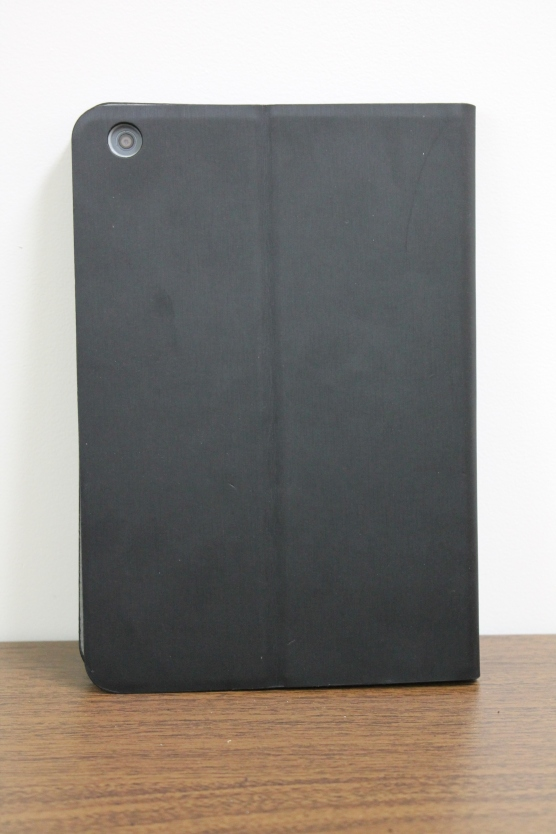 Back of the iSkin Aura Folio (Photo Credit: Jaclyn Chin/Jordan's Tech Stop)