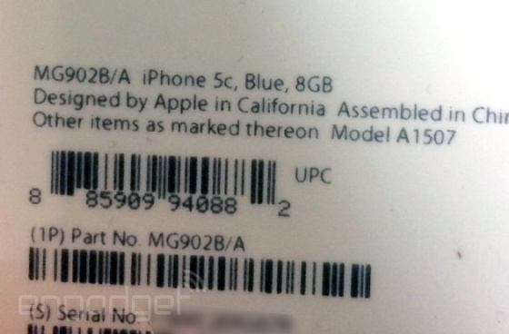 Apple's packaging to the iPhone 5C 8GB version (Photo Credit: Engadget)
